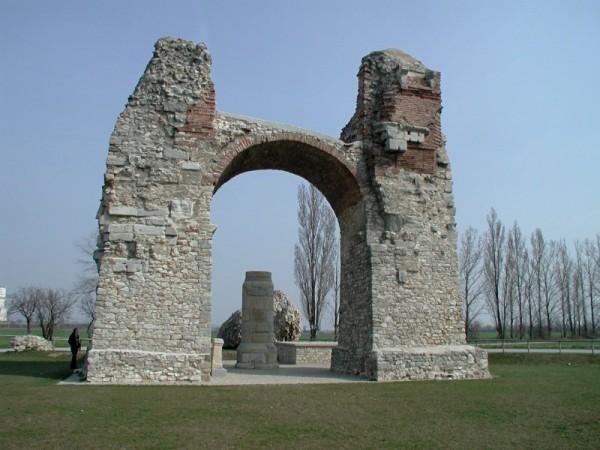 Rimska Paganska vrata