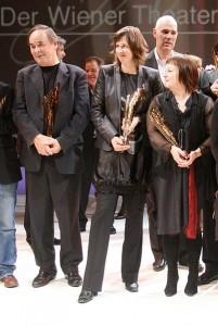 KATHRIN RÖGGLA s kolegama na dodjeli nagrade Nestroy 2010